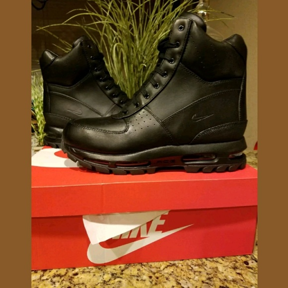 Nike Air Max Goadome 6 inch Waterproof boot NWT